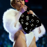Miley Cyrus smokes weed at VMAs 11