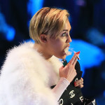 Miley Cyrus smokes weed at VMAs 16