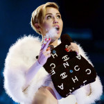 Miley Cyrus smokes weed at VMAs 17
