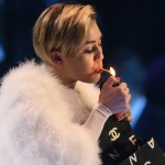 Miley Cyrus smokes weed at VMAs 4