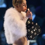 Miley Cyrus smokes weed at VMAs 7