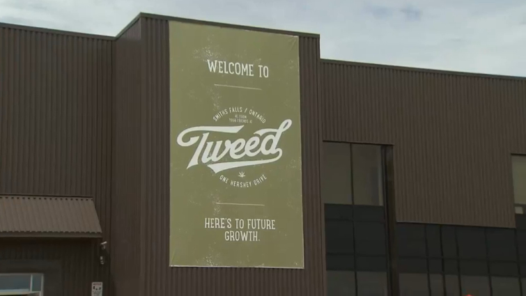 Welcome to Tweed front sign