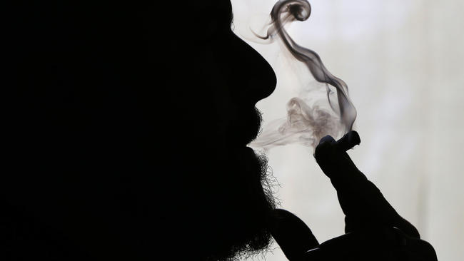 pot inhale silhouette